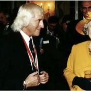 Savile und Queen Elizabeth